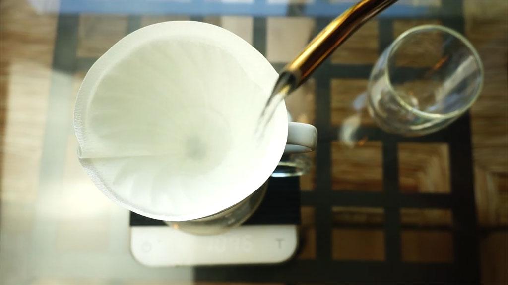 Pasos Preparar Hario V60 Purgar Filtro