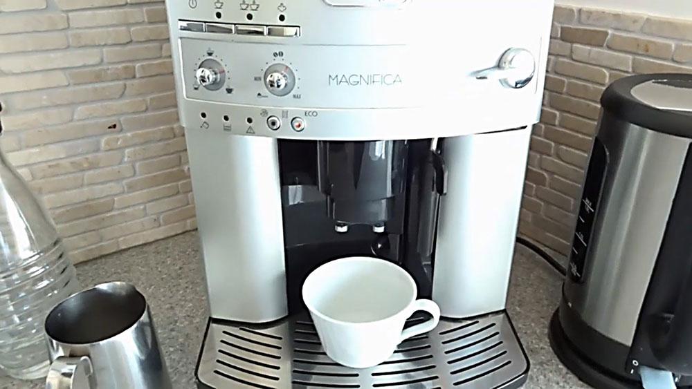 De'Longhi Magnifica ESAM 3200 Cafetera Automática Domestica