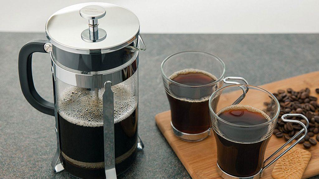 7 pasos para la preparación perfecta de una taza de café en la prensa francesa